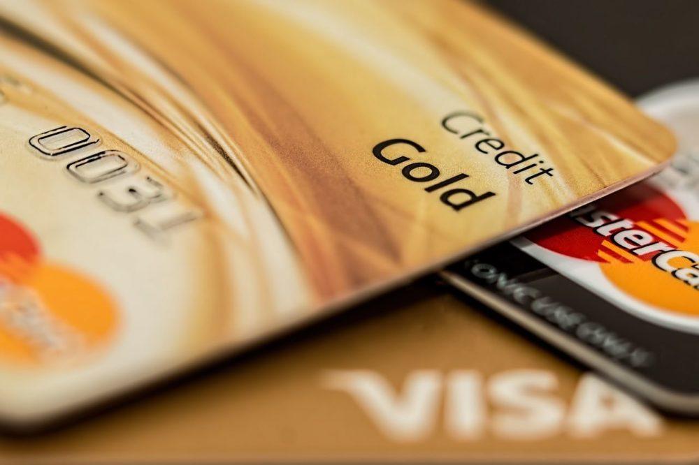 Kreditkarten für weltweite Zahlungsmöglichkeiten.