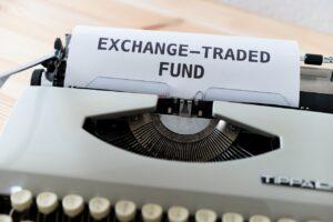 Wie und warum sollte ich Geld in ETFs anlegen?